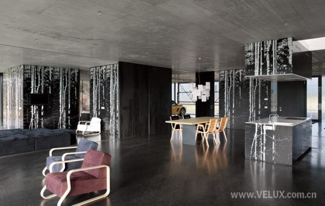4米规格的木结构在宽敞的大空间划分出立方体盒子